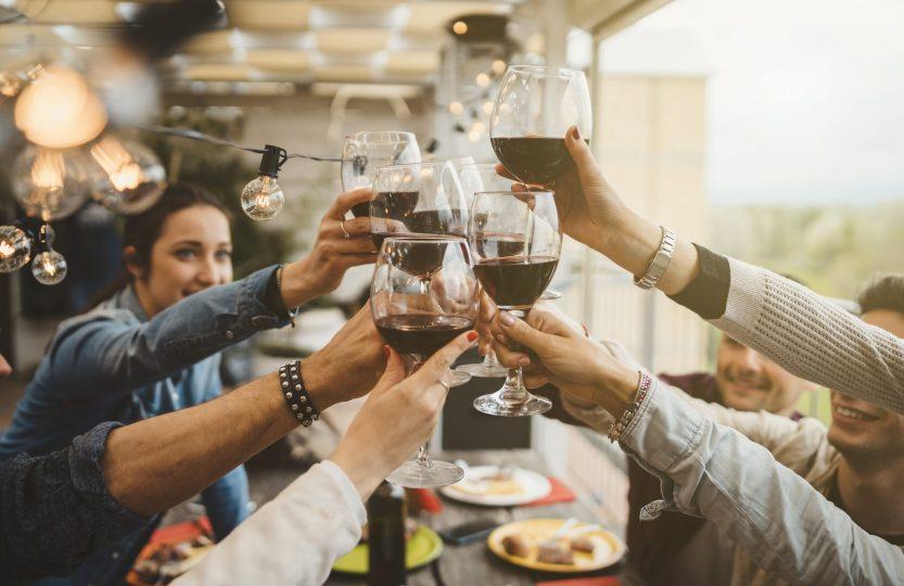 Alkohol przy jedzeniu